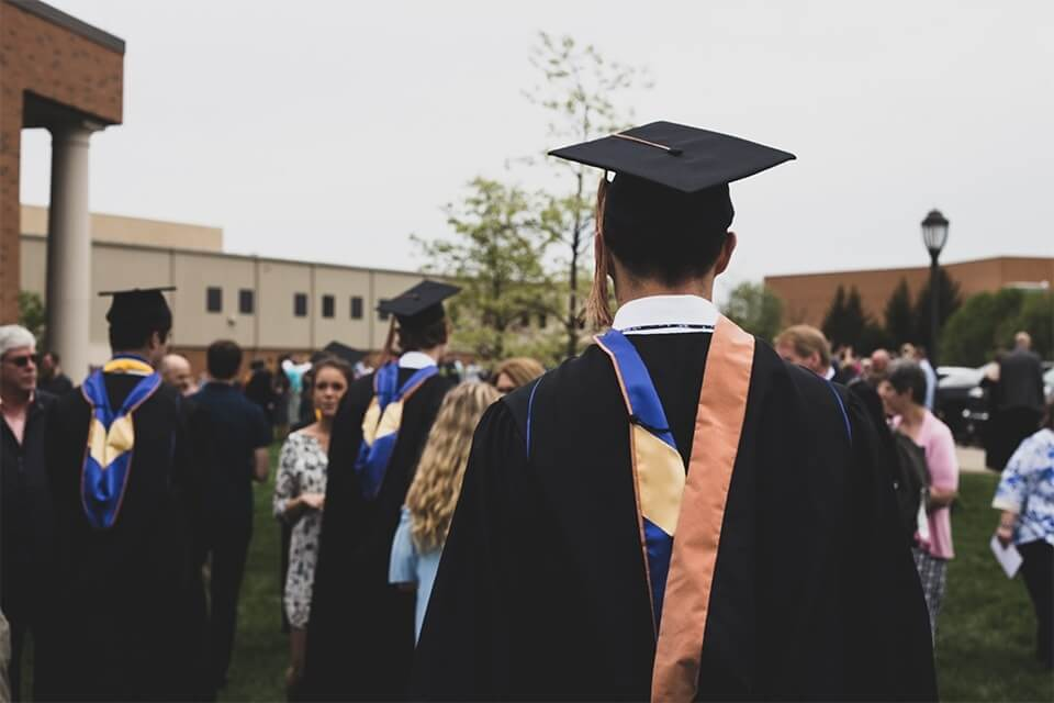 Graduation checklist - 11 things to remember for the day